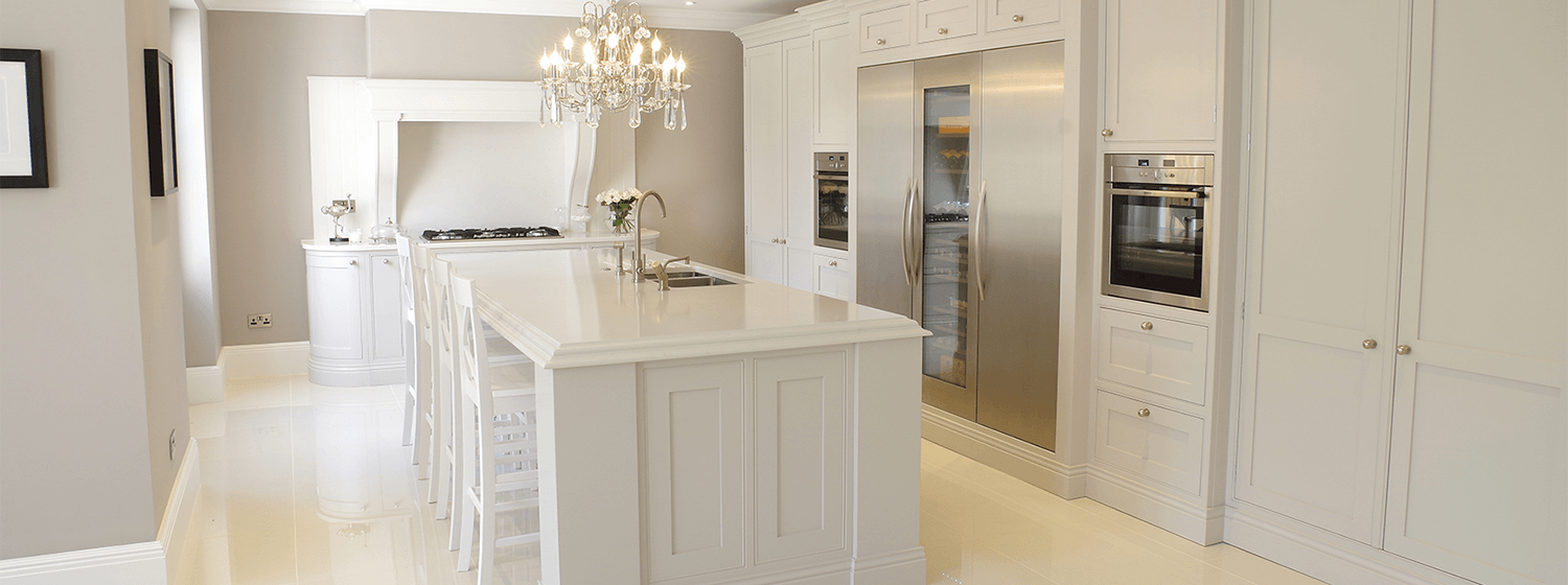 White Handpainted Traditional Shaker Kitchen kent